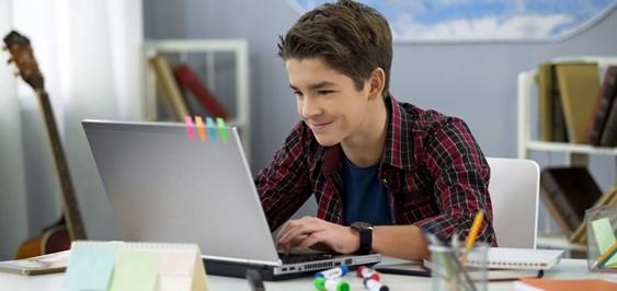 オンラインで世界の仲間と学ぶ!